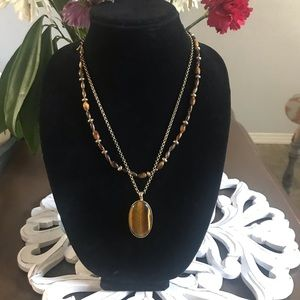 Jewelry - Gold Tone Pendant Necklace